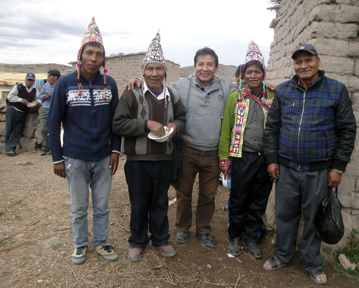 Community leaders with Dr. Gareca in TINQUIPAYA